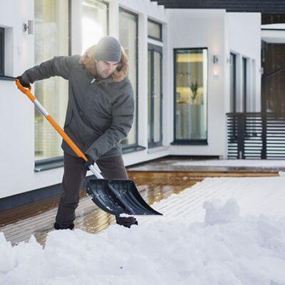 Лопата для снега Fiskars 1003469