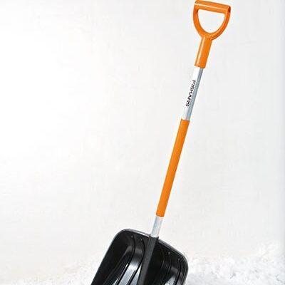 Лопата для снега Fiskars 141001